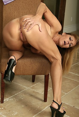 Free MILF Ass Porn Pictures