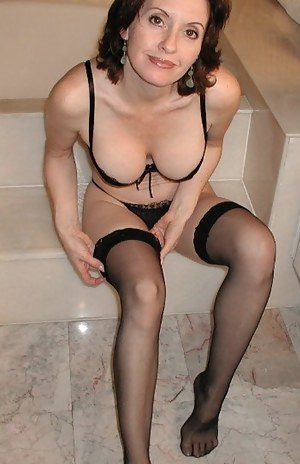 Best amateur milf sets