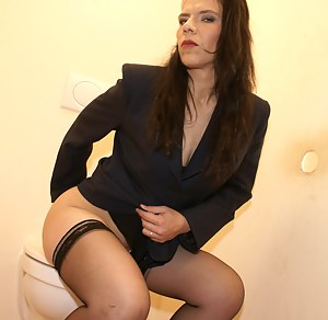 milf on amateur toilet Mature