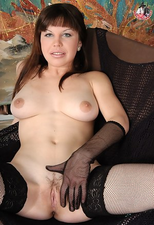 Free Russian MILF Porn Pictures