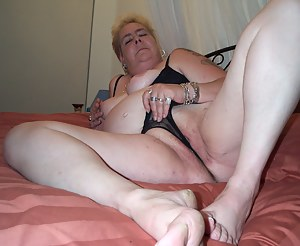 Free MILF Thong Porn Pictures
