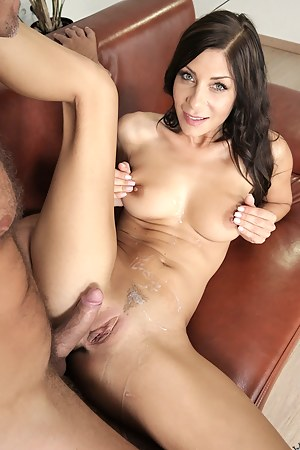 Free MILF Cumshot Porn Pictures